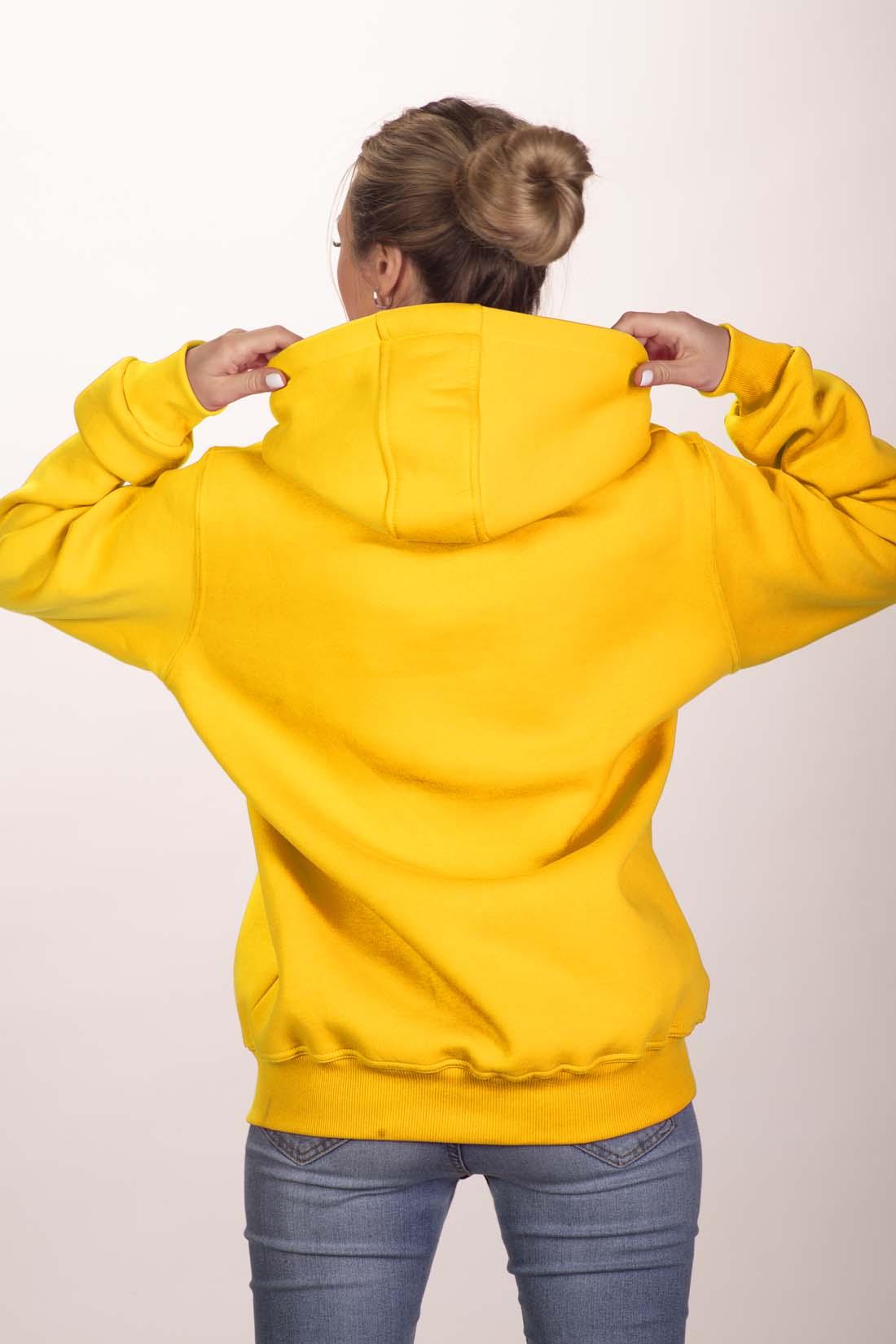 Жёлтая толстовка 3