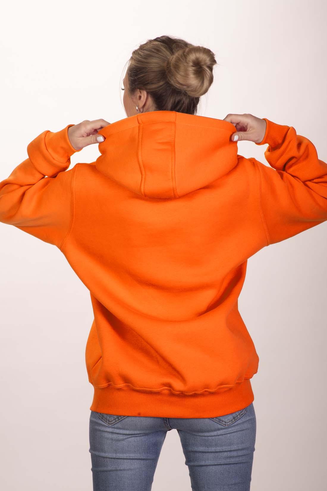 Оранжевая толстовка 3