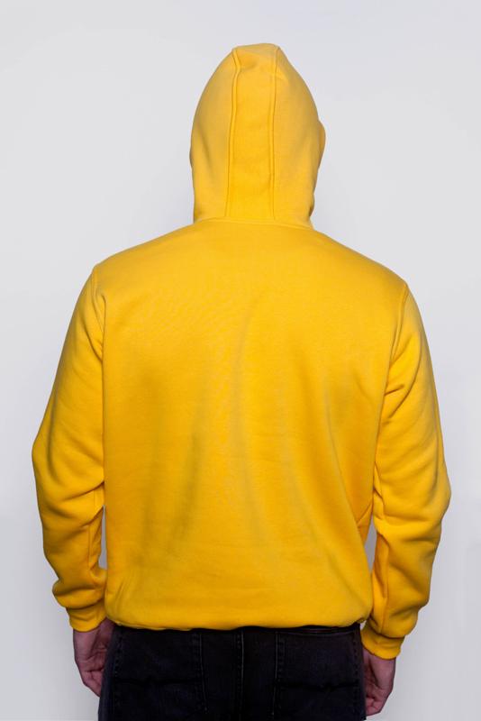 Желтая мужская толстовка 2